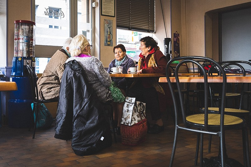 http://guillaumeblot.com/files/gimgs/th-77_Cafes des Sports 14 (c) Guillaume Blot.jpg